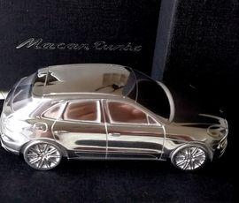 Modellautos - Limited Edition Modell Porsche Macan