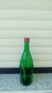 Weinflaschen zu verkaufen