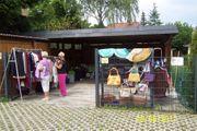 Bekleidungsflohmarkt im Carport