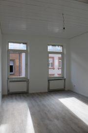 helle frisch renovierte 2-Zi-Wohnung Altbau