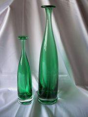 2 Stück Deko Flaschen-Vasen Glas grün