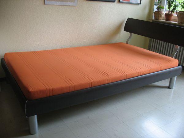 Bett 120x200 mit Lattenrost und