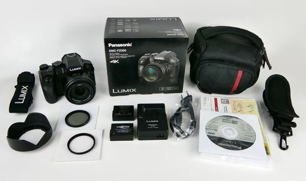 Panasonic LUMIX DMC-FZ300 LEICA (4K Foto/Video, 12 MP, 24x opt. Zoom)