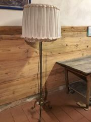 Stehlampe mit Messingfuss