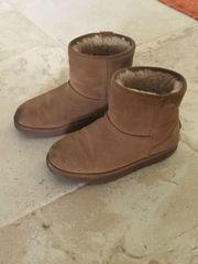 EMU Boots Größe