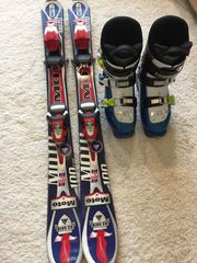 Ski und Skischuhe