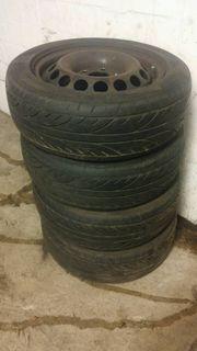 Mercedes Benz-Stahlfelgen mit reifen 5