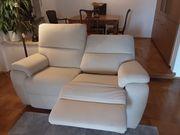 Luxuriöses Zweisitzer Sofa mit Relaxfunktion