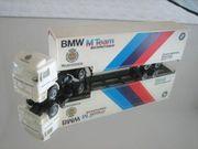 HERPA--1 87--LKW mit Kofferauflieger--BMW RENNSTALL--
