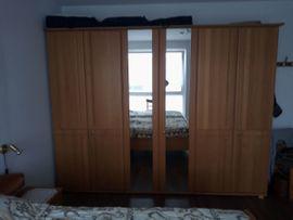 Doppelschlafzimmer Eiche hell teilmassiv: Kleinanzeigen aus Landscheid - Rubrik Schränke, Sonstige Schlafzimmermöbel