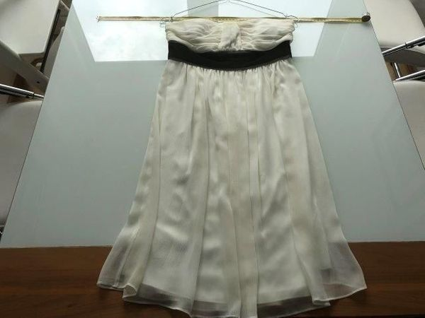 akac Ecou trägerloses Kleid cremeweiß