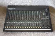 Behringer Mischpult MX 2442