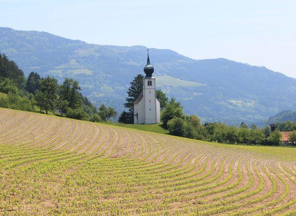 Österreich Kärnten Bauernhaus mit Scheune