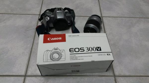 Biete analoge Spiegelreflexkamera EOS300V Zoombjektiv