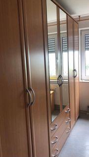 Schlafzimmerschrank mit Sideboard zu verkaufen