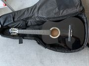 schwarze Gitarre mit Bag Fußstütze