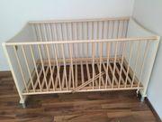 Gitterbett und Kinderbett -