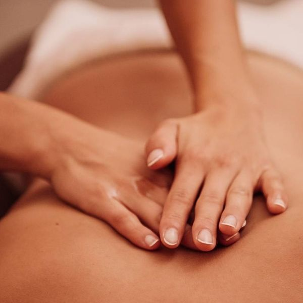regelmäßige Massage von Studentin