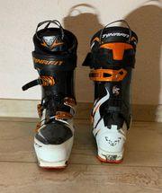 Tourenschier und Schuh
