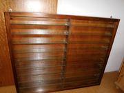 Schaukastan Holz mit geschliffenen Glastüren