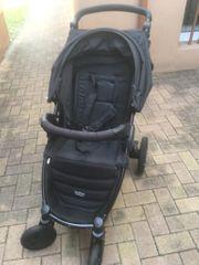Neuwertiger Römer-Britax-B-Motion Buggy mit Babytrage