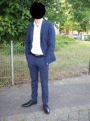 Schicker Anzug für Jugendlichen