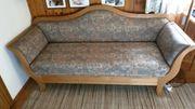 Sehr schöne handgeferigte Couch