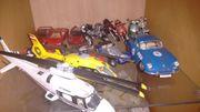 Modellautos Motorräder Hubschrauber
