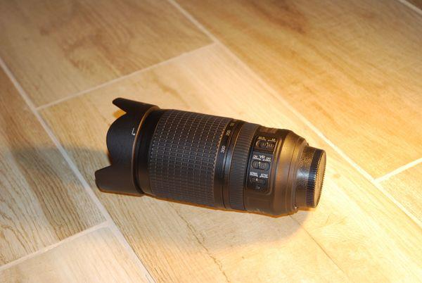 Spiegelreflex Nikon Nikkor Zoomobjektiv 70-300mm