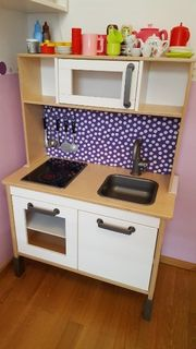 Kinderküche mit viel