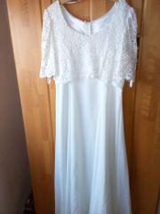 Brautkleid der Firma