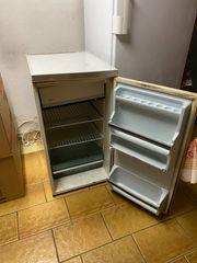 Kühlschrank mit Gefrierfach klein