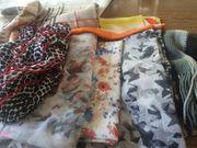 8 Stück Schals und Tücher