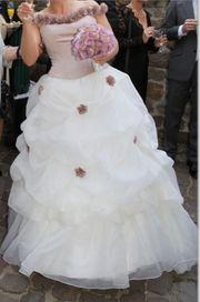 Brautkleid Hochzeitskleid Modell Parna mit