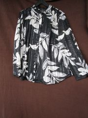 Gr 48 schöne Bluse mit