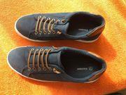 Sneakers Größe 42