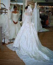 Märchenhaftes Brautkleid aus Wildseide mit