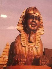 Riesige Sphinx aus Styropor Karneval