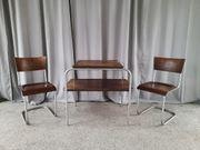 Designstühle S10 und Tisch von