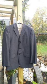 Dreiteiliger Anzug Größe