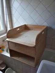 Wickelaufsatz für Badewanne mit Schub