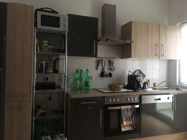 Küche mit Elektrogeräten ohne Kühlschrank in Pforzheim ...
