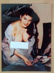 June Wilkinson Großfoto handsigniert