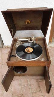 Grammophon mit Kasten