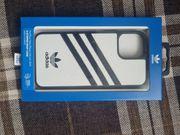 Neu Adidas 3-Stripes Snap Case