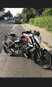 KTM DUKE 125 Erst 23