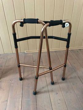 Medizinische Hilfsmittel, Rollstühle - Alltagshelfer Gehbock Gehgestell faltbar