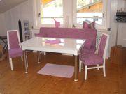 SITZGRUPPE Tisch Bank Stühle aus