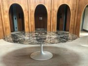 Großer ovaler Tisch Marmor braun