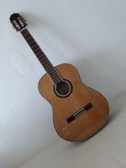 Gitarrespielerin gesucht